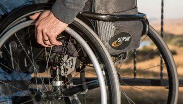 persoanele cu dizabilități